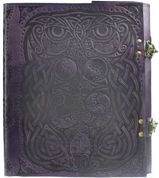 Owl leather w/ latch