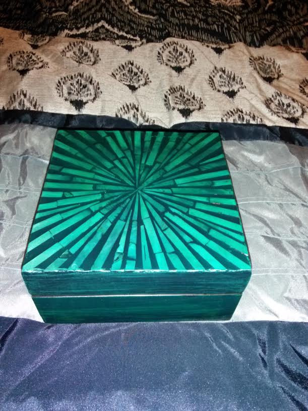 Emerald Green Small to Medium Sized Charging Box